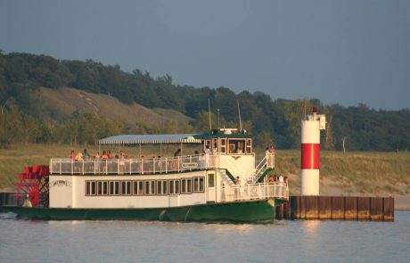 Star of Saugatuck Leaving Kalamazoo River for Lake Michigan in Saugatuck